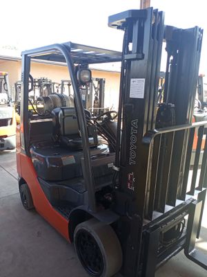 2016 TOYOTA FORKLIFT FOR SALE for Sale in Irvine, CA