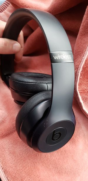 Beats Solo3 wireless headphones. In perfect working condition $60 for Sale in SeaTac, WA