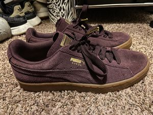 Suede Puma's SIZE 8 for Sale in Andover, KS