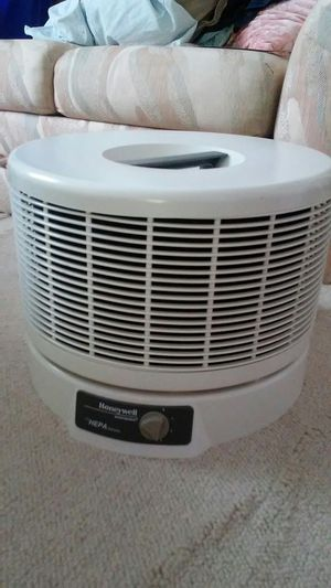 Honeywell envirocaire air purifier True HEPA for Sale in Lilburn, GA