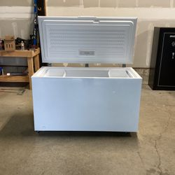 Frigidaire Chest Freezer for Sale in Yacolt,  WA