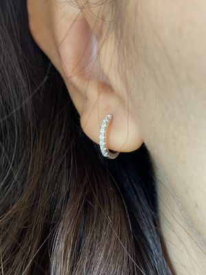 Tiny 925 sterling silver 1.4cm x 1.4cm 8 round diamond cut Cubic Zirconia hoop earrings for Sale in Austin, TX