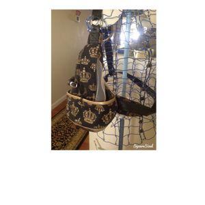 Dog carrier bling sling for under 4 lb teacup pupor dog for Sale in Richland, WA