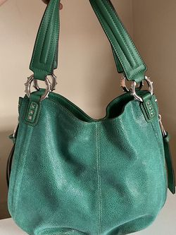 Green Faux Leather Purse for Sale in Fairmont,  WV