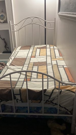 Twin size bed for Sale in Roseville, CA