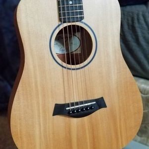 TAYLOR Baby Taylor BT1 Acoustic guitar for Sale in Seattle, WA