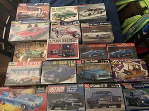 111 model kits 1:25 scale for Sale in Baltimore, MD