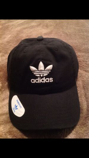 BRAND NEW ADIDAS HAT for Sale in Bakersfield, CA