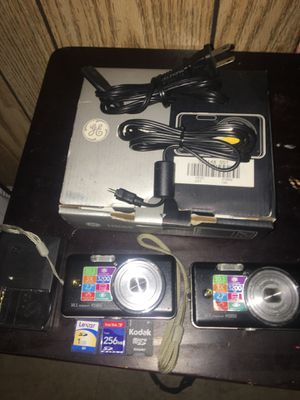 2 digital Cameras for Sale in Queens, NY