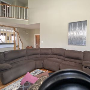 8 Person Micro suede Brown Sectional. 3 Recliners. for Sale in Mount Laurel Township, NJ