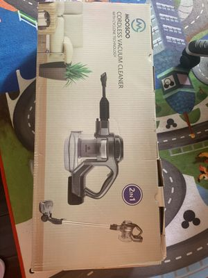 Cordless vacuum cleaner for Sale in North Royalton, OH