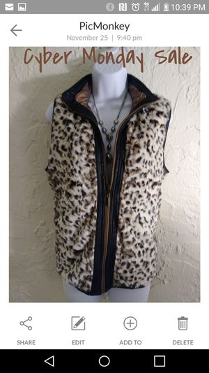 Plus fur vest for Sale in New Port Richey, FL