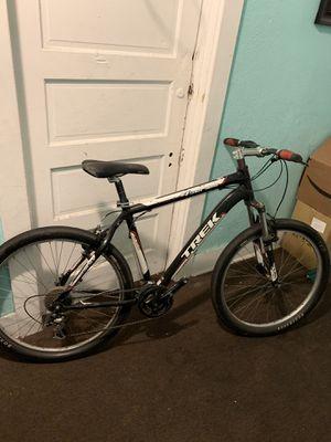 """(Trek 4 series 4300 Mountain Bike) 26"""" for Sale in Los Angeles, CA"""