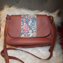 brown vinyl faux leather blue floral crossbody purse bag for Sale in Fresno,  CA