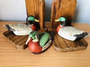 Antique Wood 3 Duck Book End Set for Sale in Temple City, CA