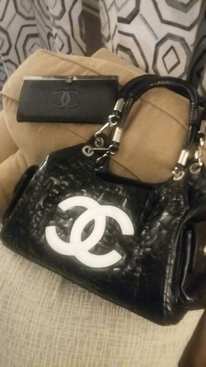 Chanel Purse & Wallet Black Leather for Sale in Rogers, MN