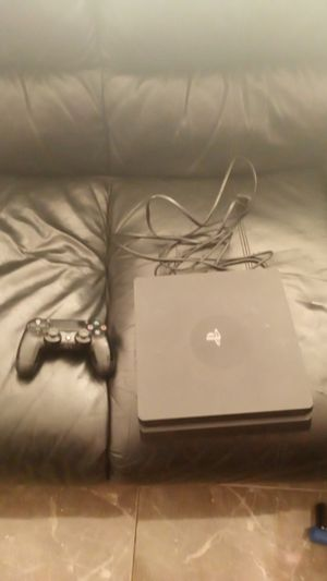 PS4 slim with controller for Sale in Vista, CA