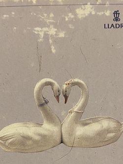 Lladro Corazon Blanco Endless Love for Sale in Bensalem,  PA