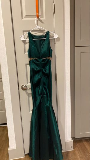 Size 4 prom dress. Fits like a size Small for Sale in Grand Prairie, TX