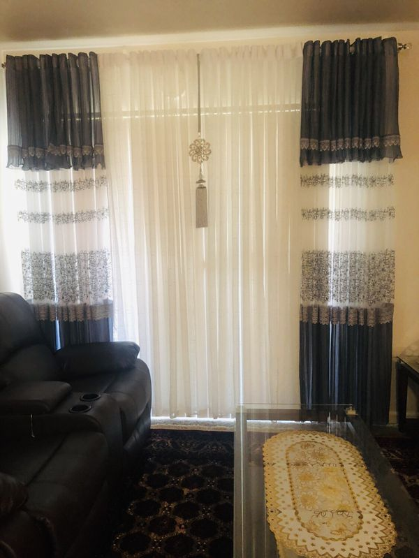 Tow curtains used only few weeks