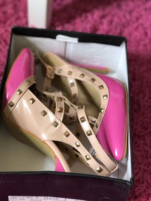 Beautiful hot pink nude pumps for Sale in Woodbridge, VA