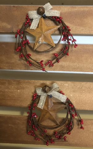 Set of 2 barn star rings -red with burlap bow for Sale, used for sale  Girard, OH