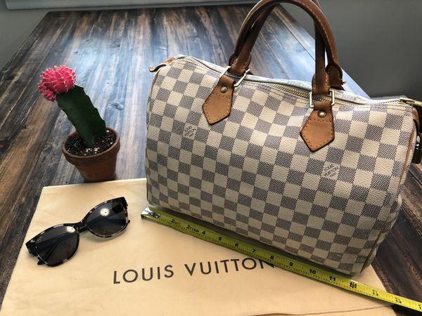 Beautiful Authentic Louis Vuitton Damier Speedy