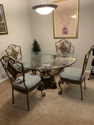 Round Dining table (glass top) in bronze. Great condition! for Sale in Atlanta, GA