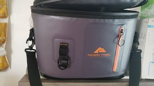 Ozark trail waterproof day cooler for Sale in Arlington, WA