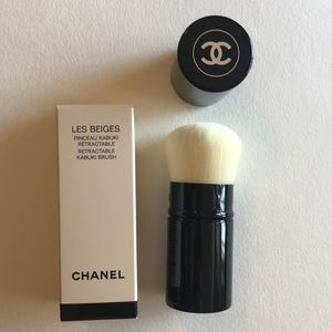 Chanel makeup brush for Sale in Grapevine, TX