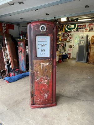 Bennett gas pump for Sale in Hawthorn Woods, IL
