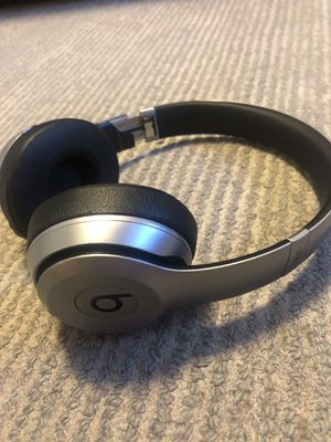 Beats solo headphones for Sale in Vancouver, WA