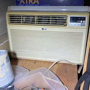 LG Window Unit AC for Sale in Philadelphia, PA
