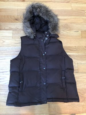 Gap Women's size L brown vest with fur lined removal hood for Sale in Snohomish, WA