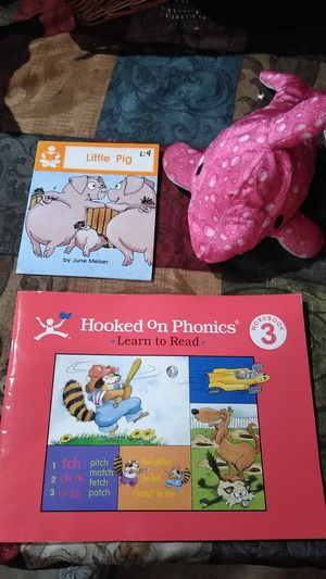 Children books and stuffed animal for Sale in Gresham, OR