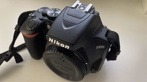 Nikon D3500 Bundle w/ Travel Bag for Sale in Cranbury Township, NJ