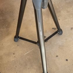Pro master 7400 Tripod for Sale in Phoenix,  AZ