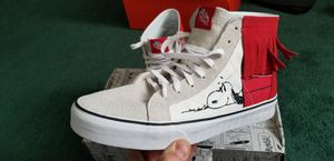 VANS SNOOPY, LIMITED EDITION, SIZE 10 MENS. PRE OWNED for Sale in Cuyahoga Falls, OH