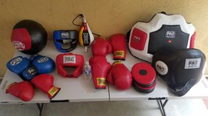 Boxing equipment, everlast and pro for Sale in Los Angeles, CA