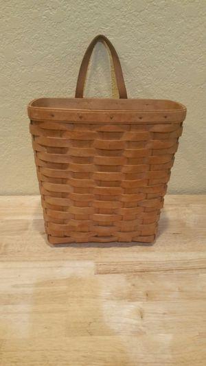 Longaberger Basket 1996 Edition for Sale in Riverview, FL