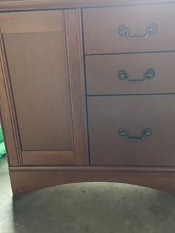 Dresser for Sale in Issaquah,  WA