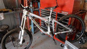 Older Southridge team downhill bike for Sale in Corona, CA