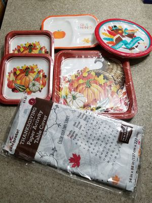 Thanksgiving paper plates and more. 6 items package. for Sale in Chino Hills, CA