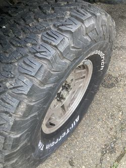 Bf Goodrich 33x12.5r15 for Sale in Seattle,  WA