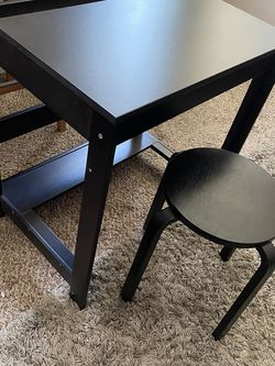 Desk and Chair for Sale in City of Industry,  CA