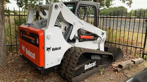 2010 bobcat t650 skid steer for Sale in Dallas, TX