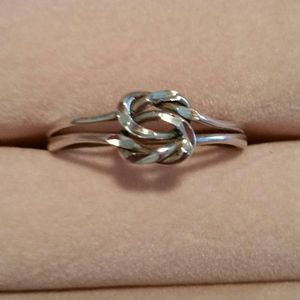 Sterling silver knotted double ring for Sale in Powhatan, VA