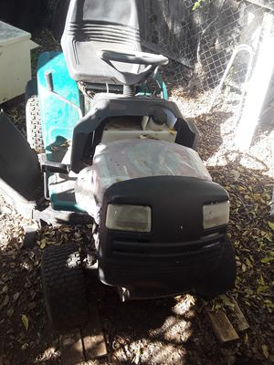 Riding lawn mower for Sale in Benbrook, TX