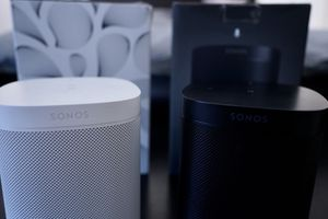 Lot of 2 Sonos Play One (gen 1) - blk & white (both alexa or google assistants) for Sale in Mansfield, TX