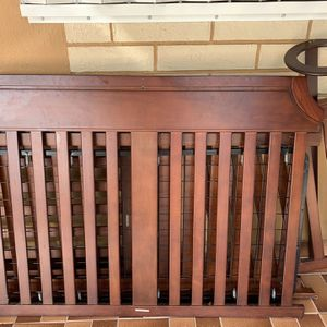 Changing Table & Crib for Sale in Miami, FL